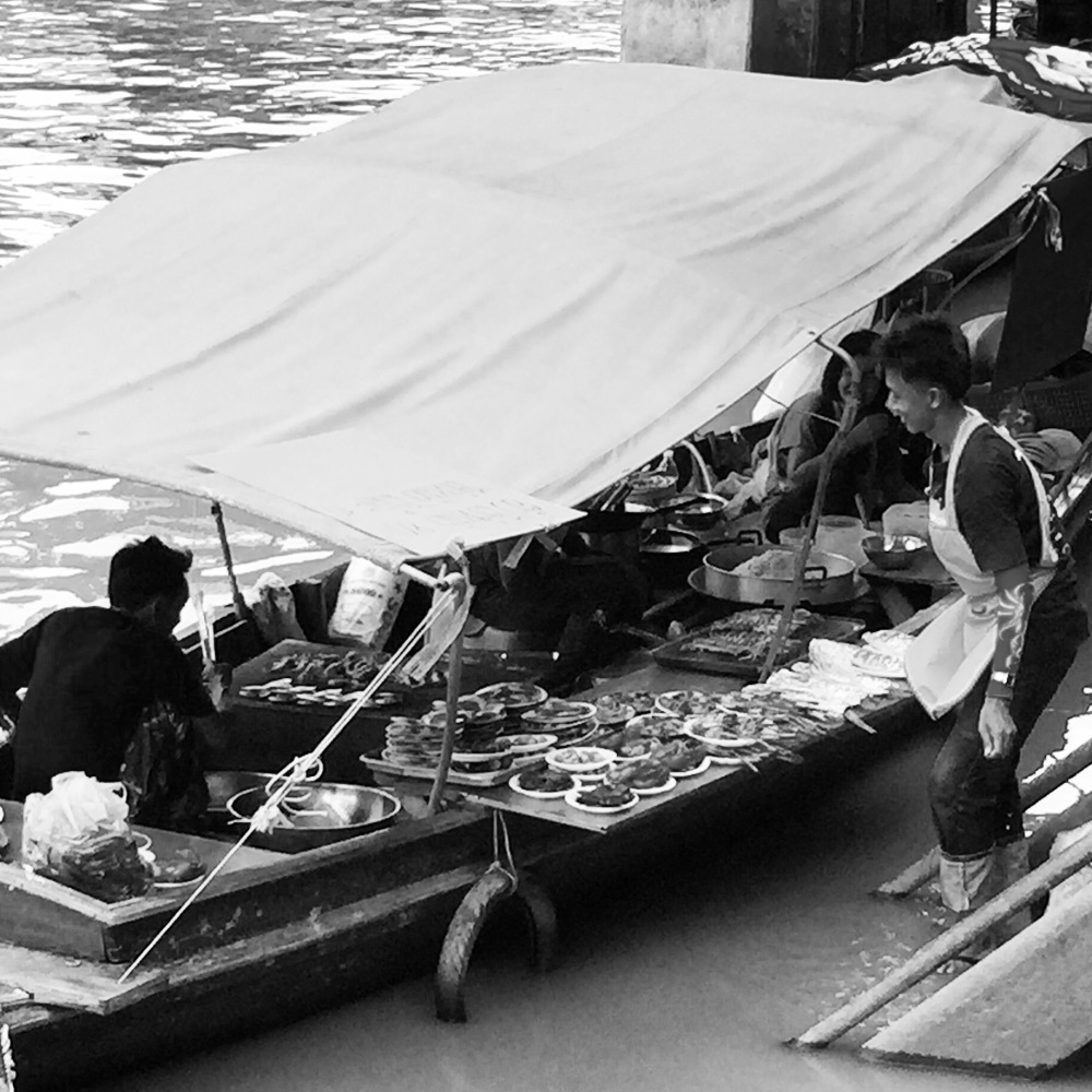 Amphawa, cooking on a boat